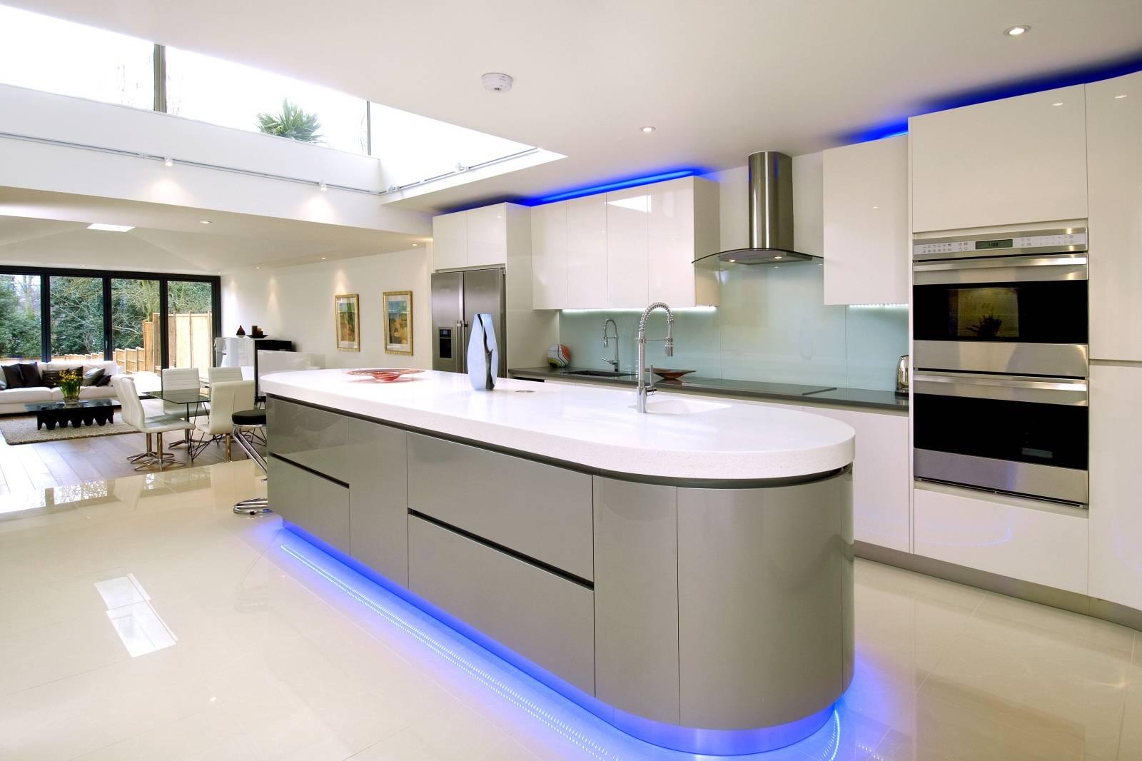 curved kitchen design